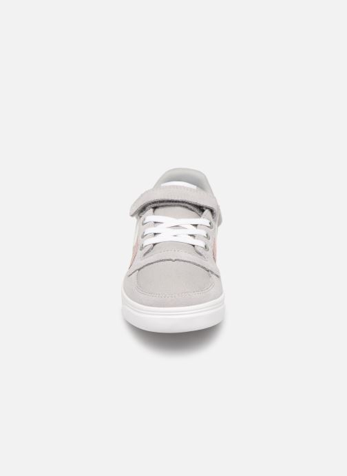 Sneakers Hummel SLIMMER STADIL LOW JR Grigio modello indossato