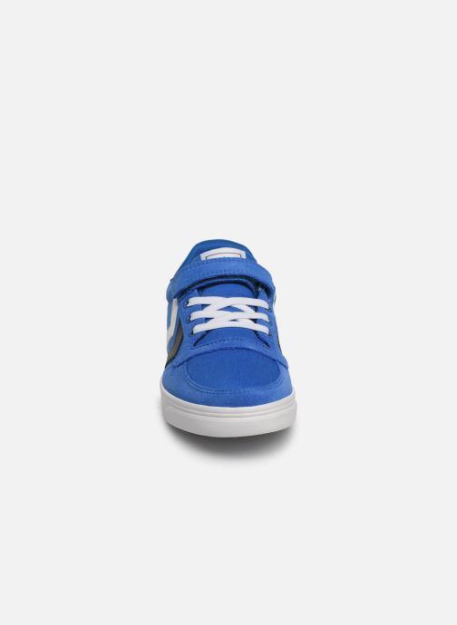 Sneakers Hummel SLIMMER STADIL LOW JR Azzurro modello indossato