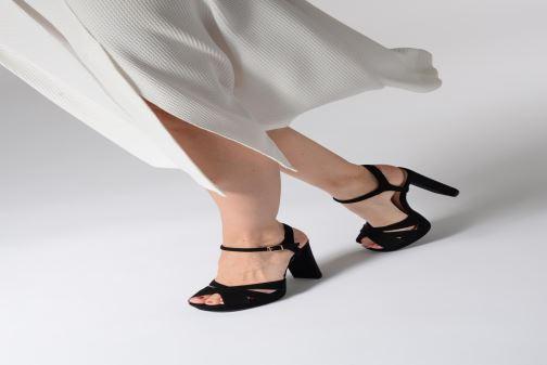 Sandales et nu-pieds Dune London MAGGIE Noir vue bas / vue portée sac