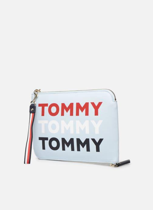 Bolsos Clutch Tommy Hilfiger ICONIC TOMMY POUCH Azul vista del modelo