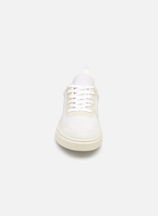 Sneaker Veja V-10 Malha weiß schuhe getragen