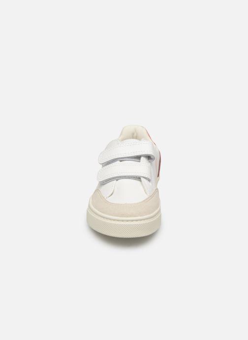 Baskets Veja V-12 SMALL LEATHER Blanc vue portées chaussures