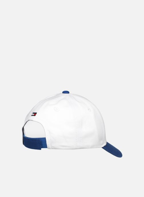 Cappellino Tommy Hilfiger BIG FLAG CAP Bianco modello indossato