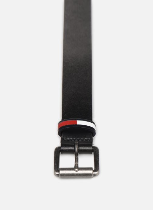 Cinture Tommy Hilfiger TJM FLAG INLAY BELT 3.5 Nero modello indossato