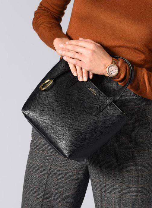 Handtaschen Lauren Ralph Lauren MERRIMACK MINI CROSS REVERS schwarz ansicht von unten / tasche getragen