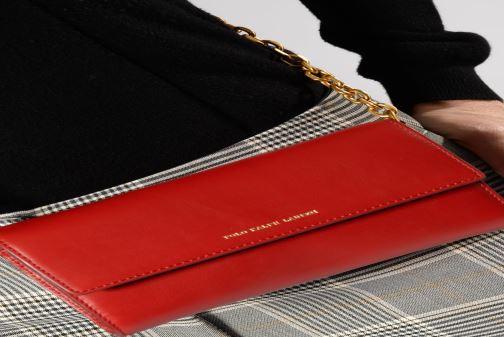 Handtaschen Polo Ralph Lauren CHAIN WALLET rot ansicht von unten / tasche getragen