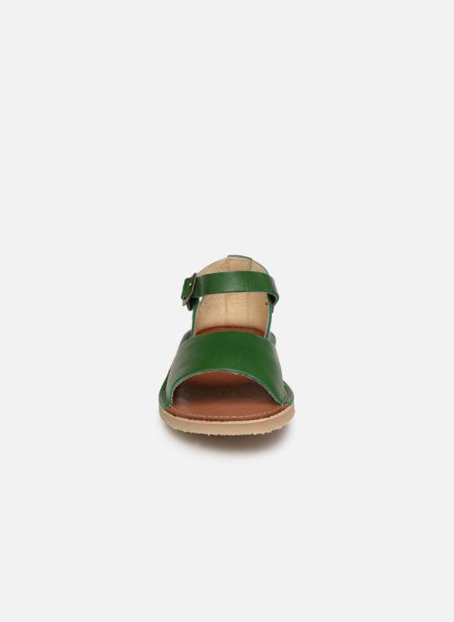Sandalen Young Soles Mavis grün schuhe getragen