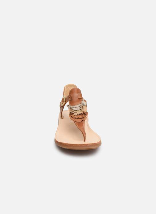 Sandalen Minibel Solimane braun schuhe getragen