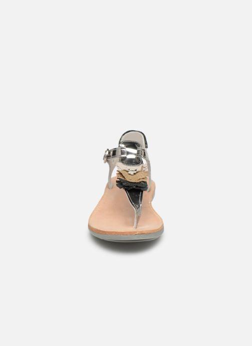Sandalias Minibel Solimane Plateado vista del modelo