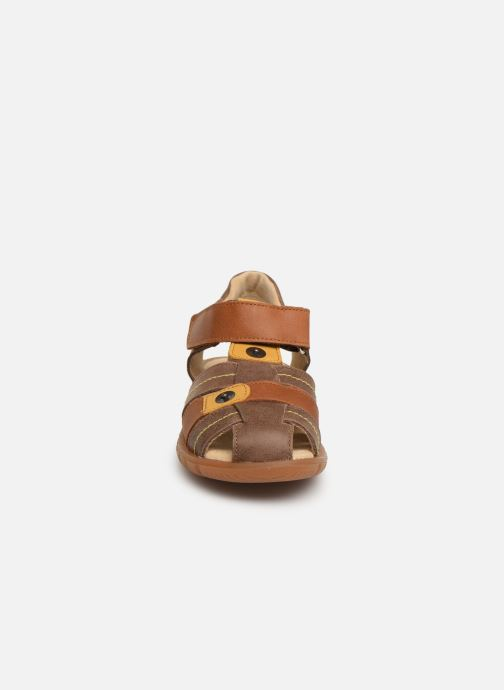 Sandales et nu-pieds Minibel Storm Marron vue portées chaussures