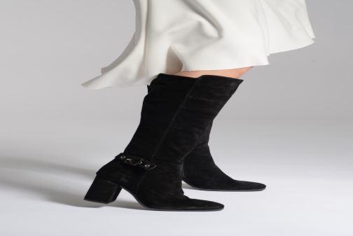 Stiefel Jonak Marisa schwarz ansicht von unten / tasche getragen