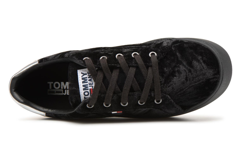 Baskets Tommy Hilfiger TOMMY JEANS CRUSH VELVET SNEAKER Noir vue gauche