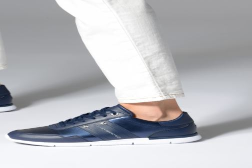 Trainers Tommy Hilfiger TOMMY ESSENTIAL LEATHER SNEAKER Silver view from underneath / model view