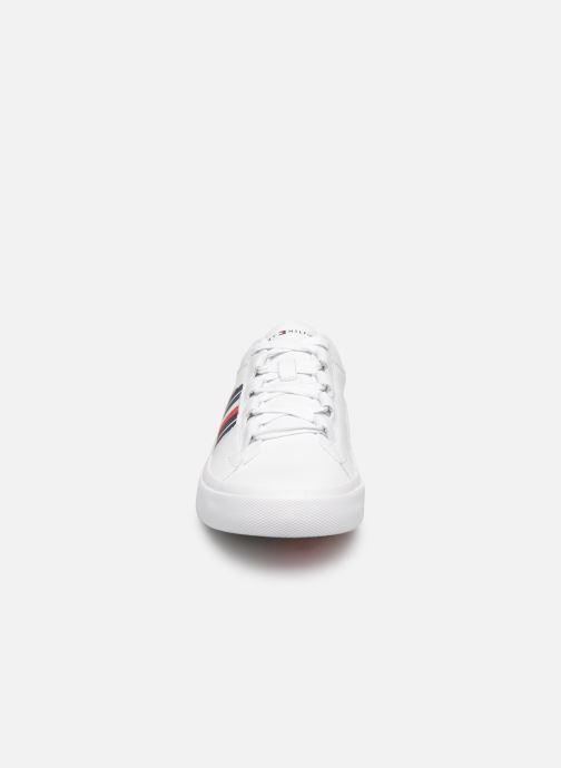 Sneaker Tommy Hilfiger CORPORATE LEATHER LOW SNEAKER weiß schuhe getragen