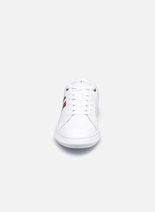 Sneaker Tommy Hilfiger ESSENTIAL LEATHER CUPSOLE weiß schuhe getragen