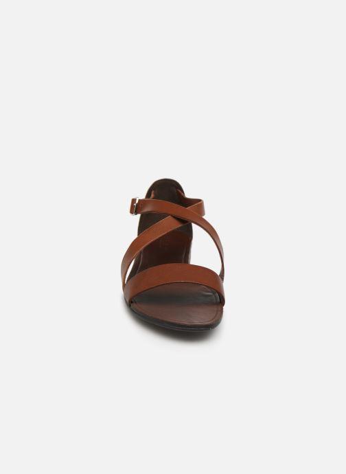 Sandales et nu-pieds Vagabond Shoemakers Tia 4531-001 Marron vue portées chaussures