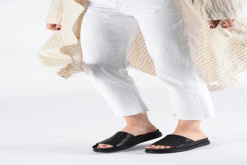 Clogs & Pantoletten Vagabond Shoemakers Erin 4532-001 schwarz ansicht von unten / tasche getragen