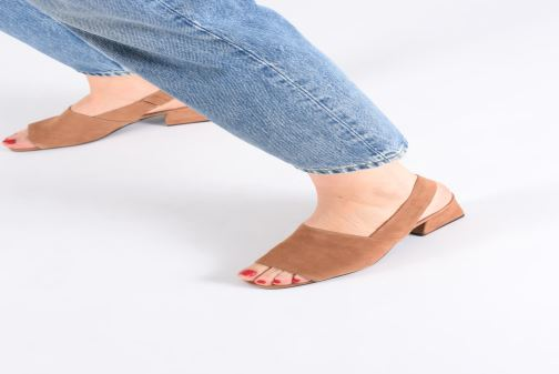 Sandals Vagabond Shoemakers Elena 4735-040 Beige view from underneath / model view