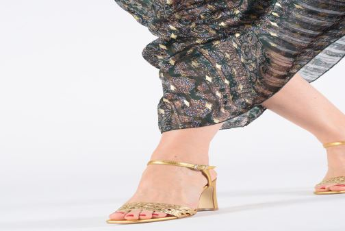 Sandals Anaki DOLCE Bronze and Gold view from underneath / model view