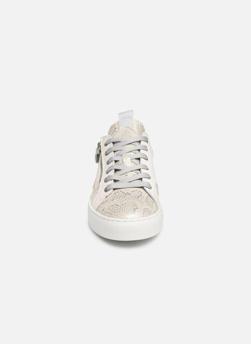 Sneaker Bullboxer 962063E5L weiß schuhe getragen