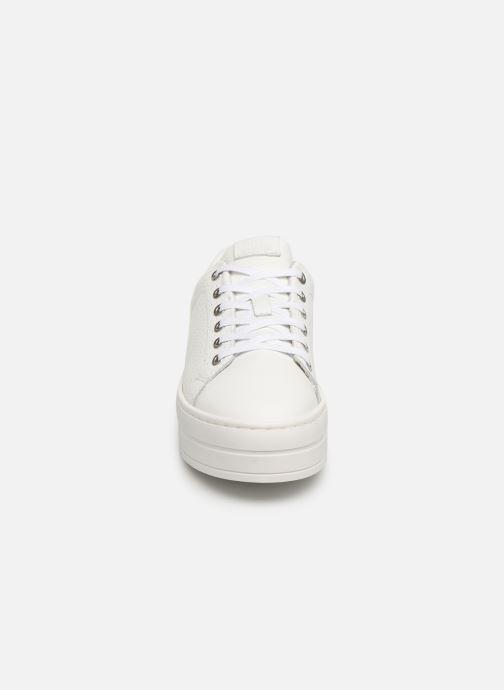 Sneaker Bullboxer 987000E5L weiß schuhe getragen