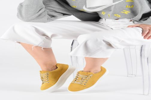Trainers Bullboxer 987000E5C Yellow view from underneath / model view