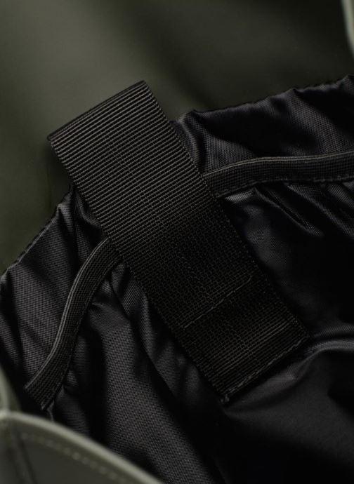 Ryggsäckar Rains  Backpack Grön bild från baksidan