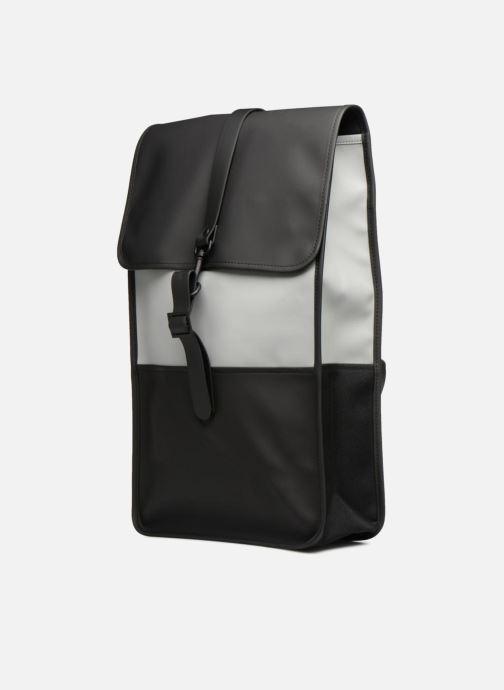 Ryggsäckar Rains  Backpack Svart bild av skorna på