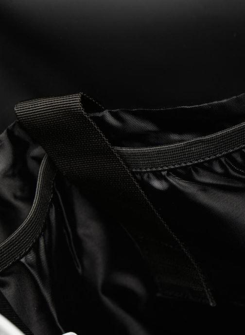 Ryggsäckar Rains  Backpack Svart bild från baksidan