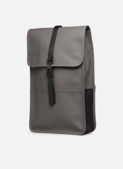 Mochilas Rains  Backpack Gris vista del modelo