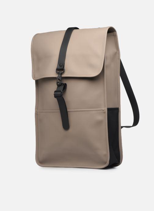 Rucksäcke Rains  Backpack beige schuhe getragen
