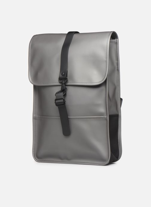 Mochilas Rains  Backpack Mini Gris vista del modelo