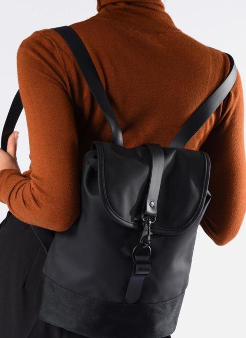 Sacs à dos Rains  Drawstring Backpack Bleu vue bas / vue portée sac