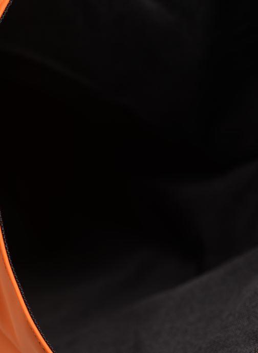 Rucksäcke Rains  Roll Top Rucksack orange ansicht von hinten