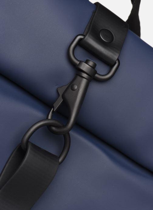 Rucksäcke Rains  Roll Top Rucksack blau ansicht von links