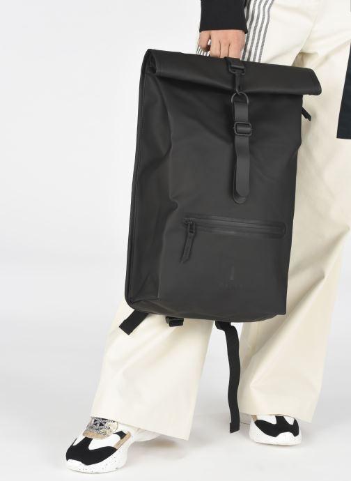 Sacs à dos Rains  Roll Top Rucksack Noir vue bas / vue portée sac