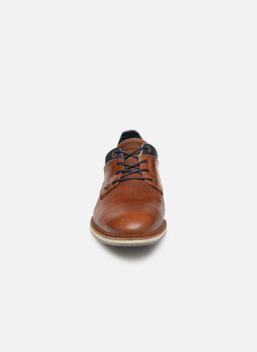 Chaussures à lacets Bullboxer 633K25264G Marron vue portées chaussures