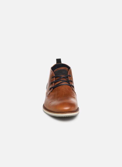 Boots Bullboxer 633K55625A Brun bild av skorna på