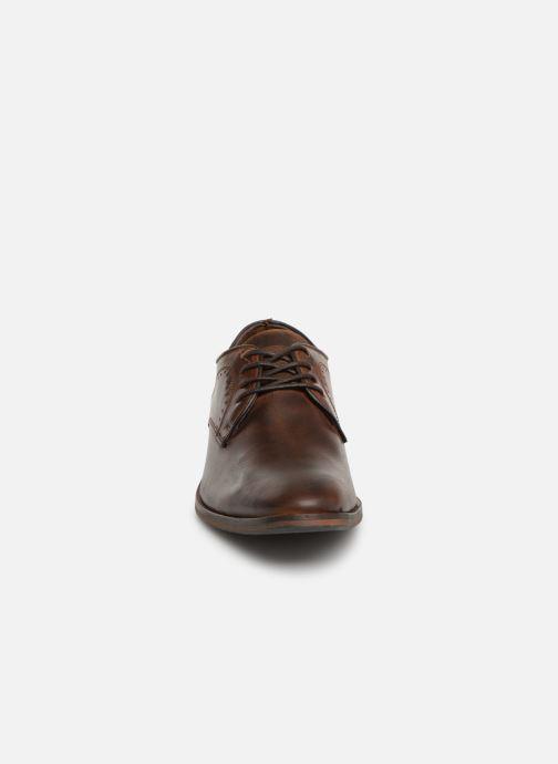 Chaussures à lacets Bullboxer 699K20083A Marron vue portées chaussures
