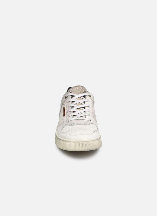 Baskets Bullboxer 648K25144E Blanc vue portées chaussures