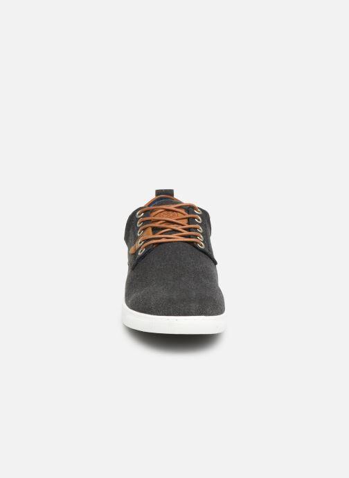 Baskets Bullboxer 814X25288A Noir vue portées chaussures