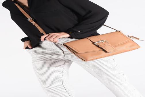 Bolsos de mano Esprit Marcie Shoulder bag Marrón vista de abajo
