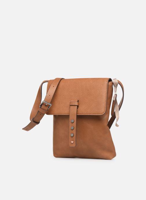 Sacs à main Esprit Mona Small Shoulder Bag Marron vue portées chaussures