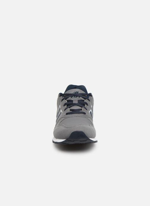 Baskets New Balance YC373 Gris vue portées chaussures