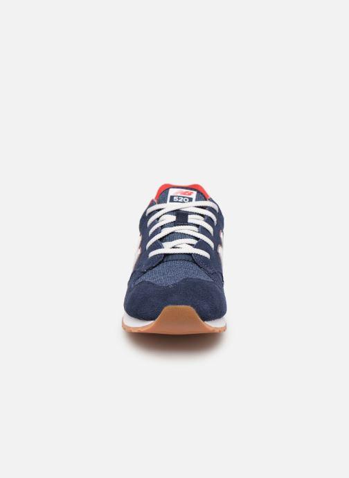 Baskets New Balance YC520 Bleu vue portées chaussures