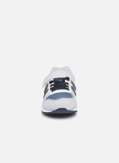 Sneakers New Balance YV996 Grigio modello indossato