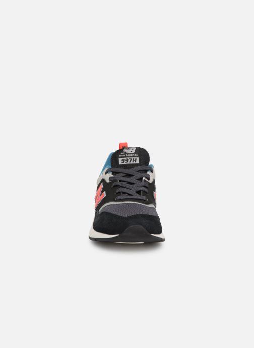 Baskets New Balance PR997 Noir vue portées chaussures