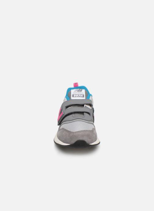 Baskets New Balance PZ997 Gris vue portées chaussures