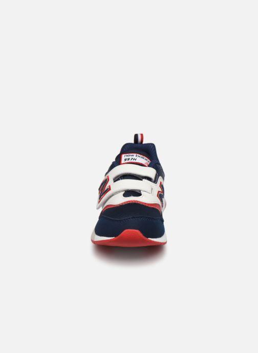 Sneakers New Balance PZ997 Azzurro modello indossato