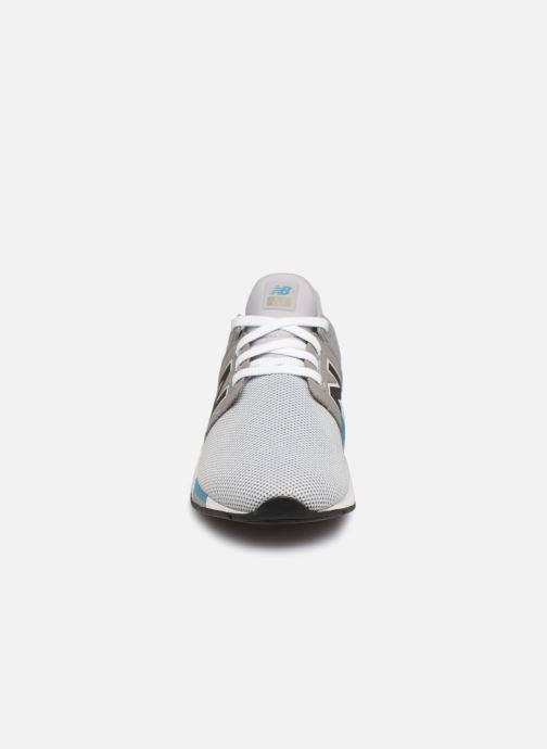 Baskets New Balance GS247 Gris vue portées chaussures